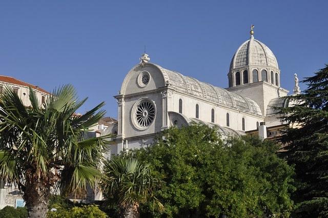 église à Sibenik en croatie