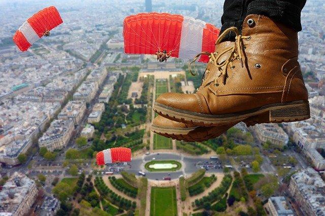 parachutiste à paris
